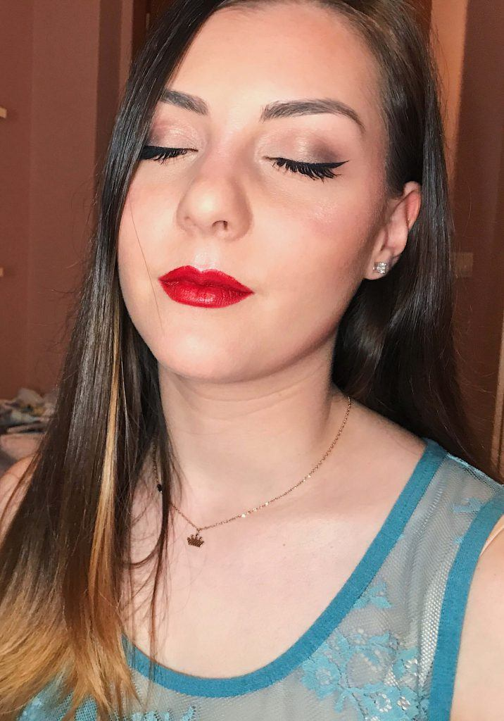 red lips with bronze eyes