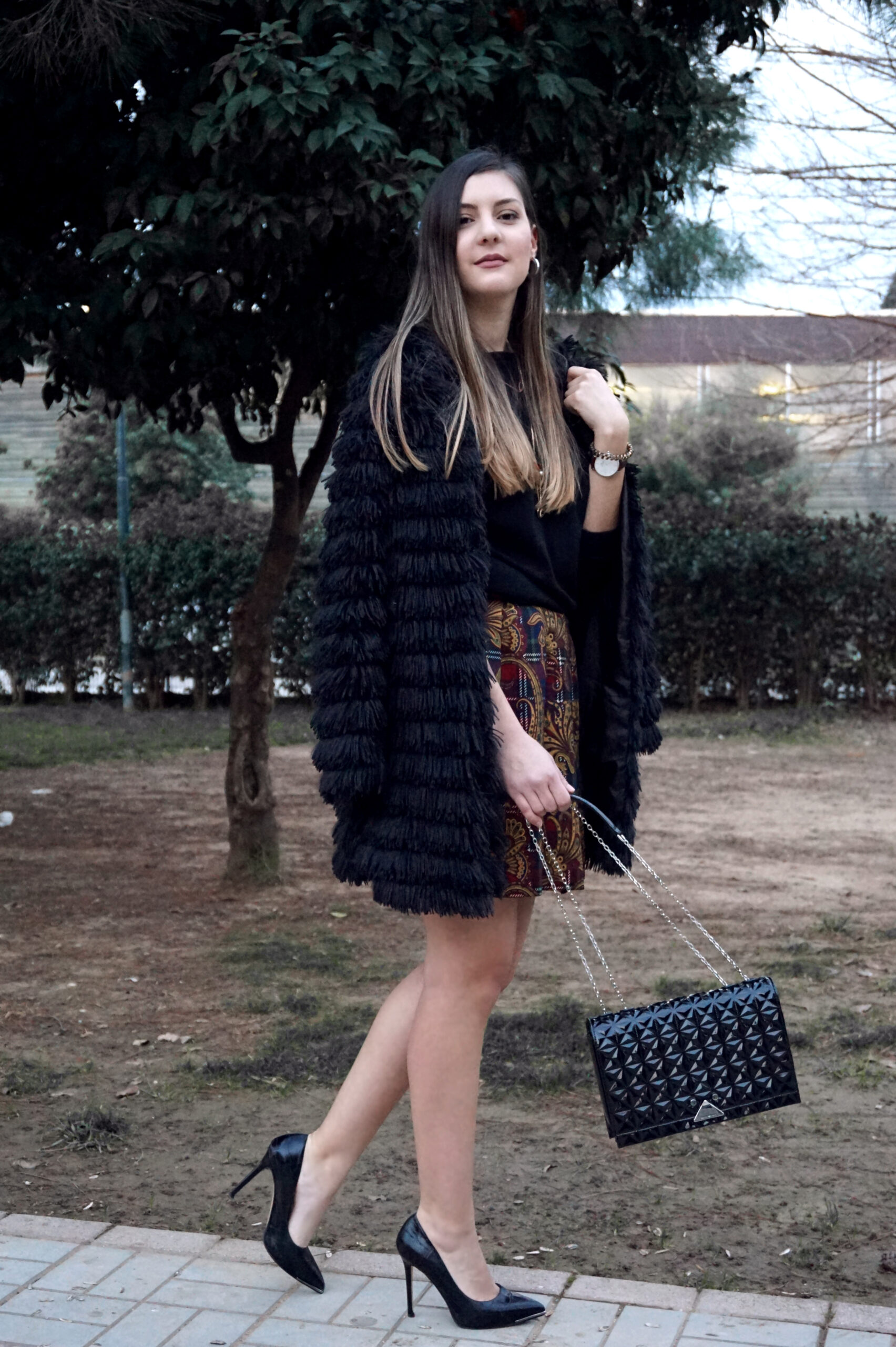 know how to wear skirts in winter