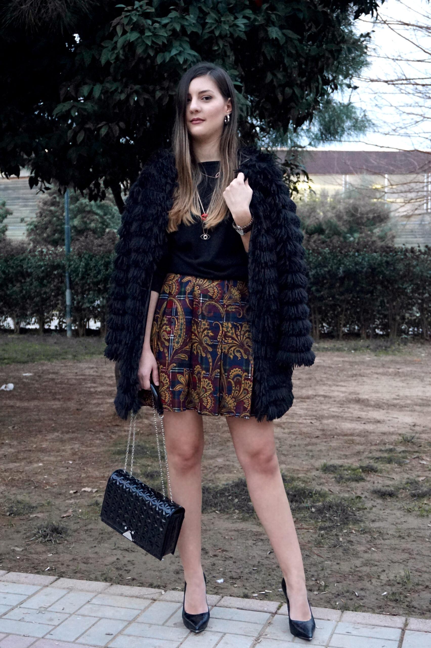 wear mini skirts winter
